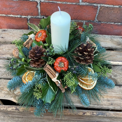 Fruity Round Christmas Candle Arrangement